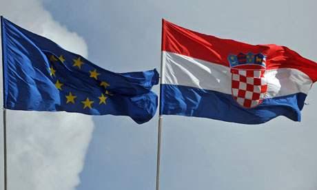 Banderas-de-la-UE-y-Croacia
